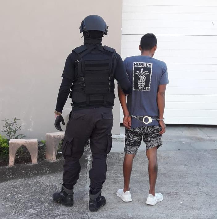 Photo of Detienen sujeto por asalto a vivienda en Juanito Mora